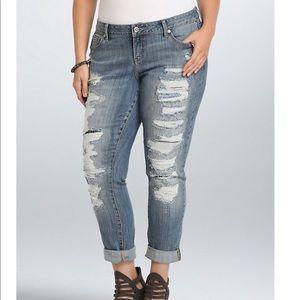 Torrid Denim Destroyed Boyfriend Jeans Plus Sz 18